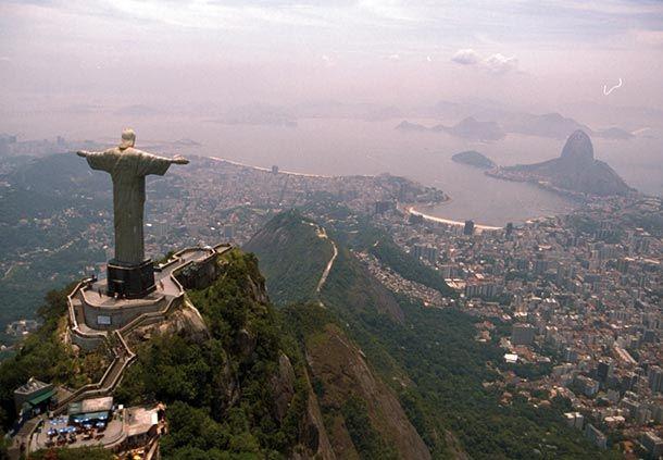 Elije un hotel en Rio de Janeiro y conoce el Cristo Redentor, la estatua art decó considerada la más grande del mundo. ¡Disfrute, además, de una incomparable vista de la ciudad de Rio de Janeiro!