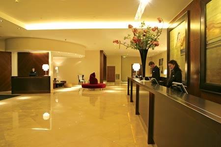Plaza Riverbank Hotel