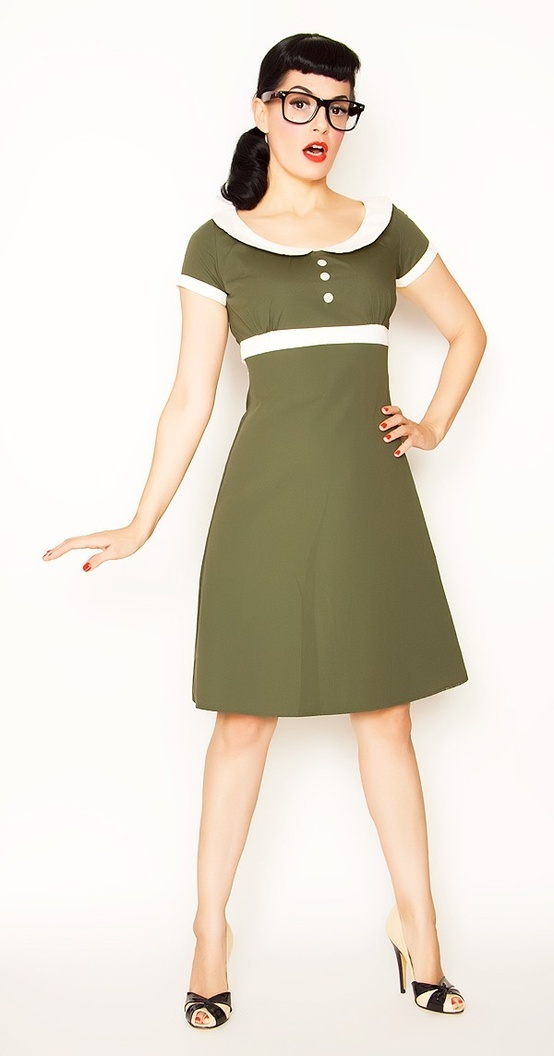 Green Bernie Dexter dress. So cute!!