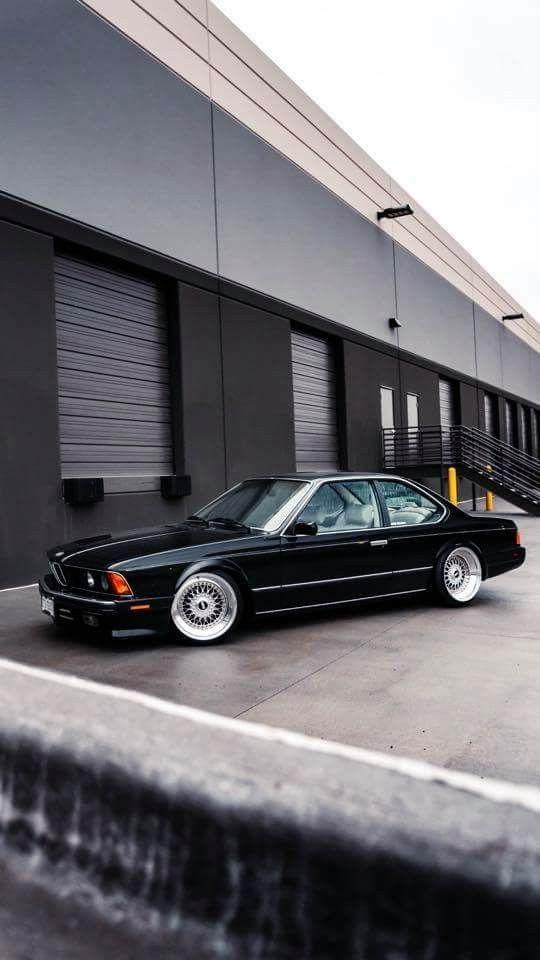 BMW E24 6er schwarz