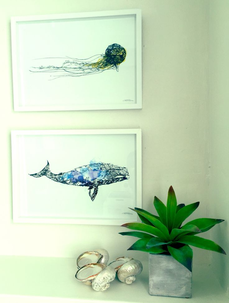 Bathroom: Whale and Jelly fish prints.