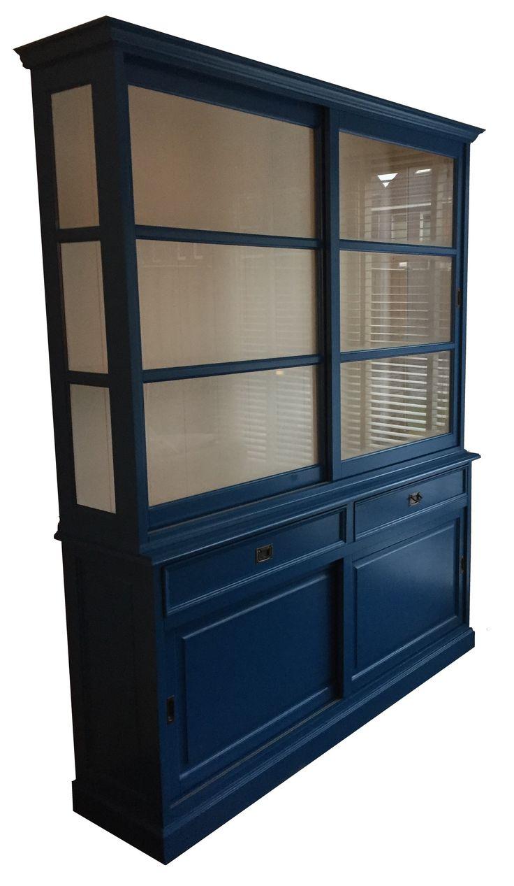 Buffetkast blauw Sneek 190cm gave blauwe buffetkast met brede laden en aan de zijkanten glas