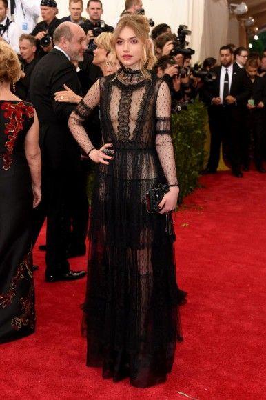 Имоджен Путс выбрала очень прозрачное платье от Valentino
