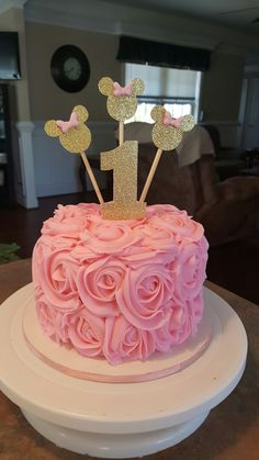 Minnie mouse cake pink and gold