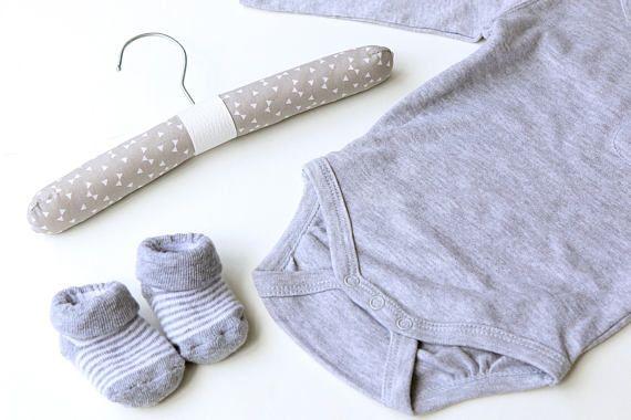 Gray bow baby hanger - Baby clothes organizer - Gender neutral baby gift - Kids clothes hanger - Grey nursery - Scandinavian nursery decor