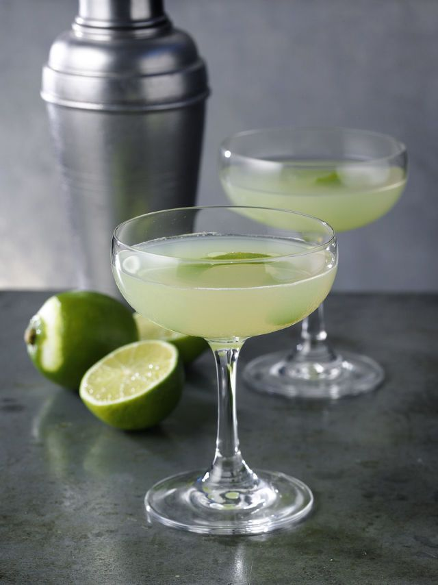 Ingredients .75 oz Martin Miller's Gin .75 oz Green Chartreuse .75 oz Luxardo Maraschino Liqueur .75 oz Lime Juice Instructions Combine ingredients in a cocktail shaker and shake with ice. Strain into a cocktail coupe.