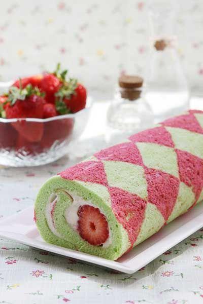 Strawberry Roll Cake