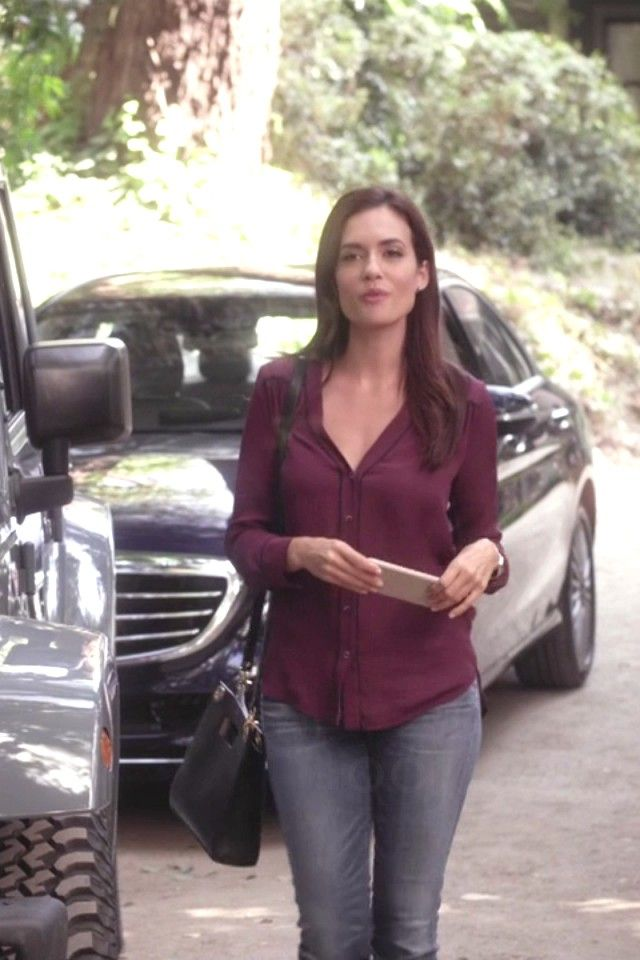Melissa Hastings wearing  Vince Contrast Piping Blouse