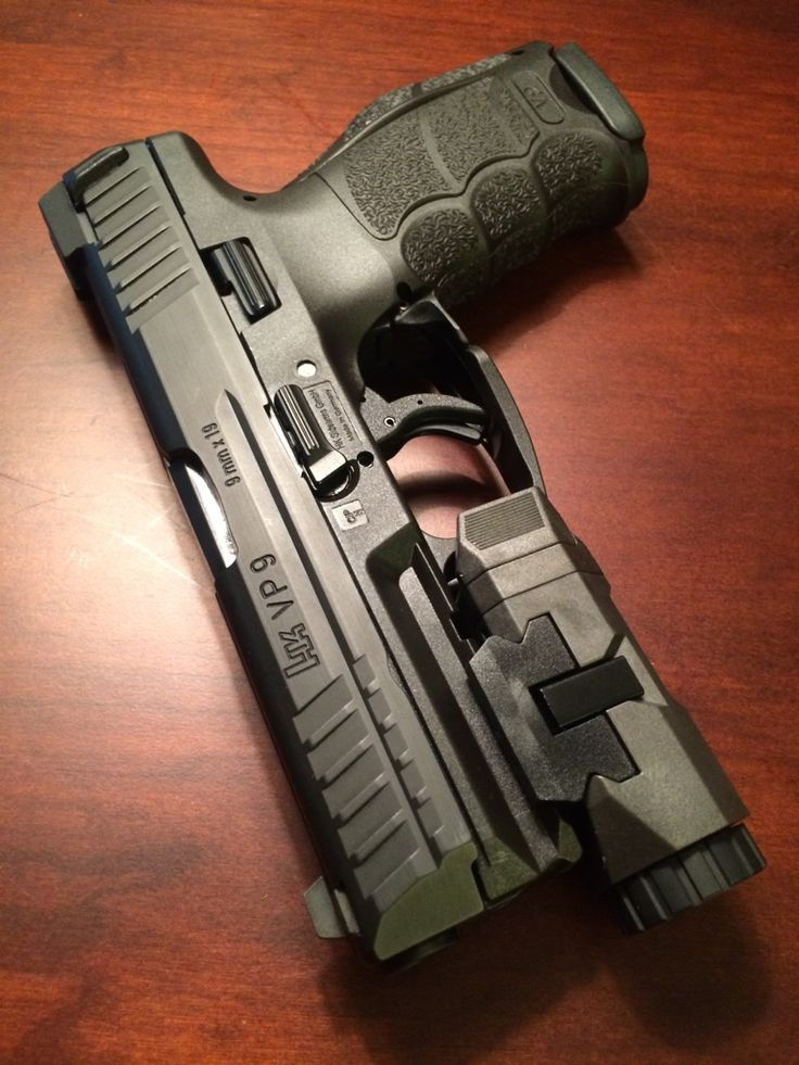 HK VP9 Polymer framed pistol in 9x19mm, it marked Heckler & Koch's return to the striker-fired market. The VP9 proved to very popular, with the VP40 having just recently been released for sale. Some...