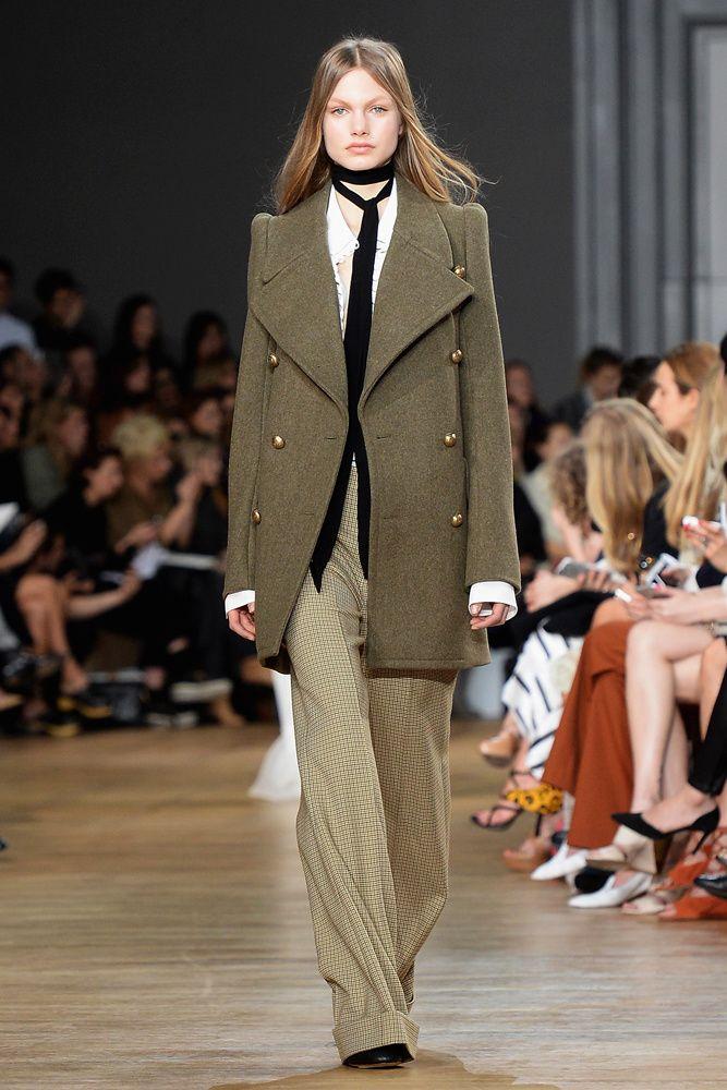 color verde olivo tendencias moda pasarelas celebridades   Galería de fotos 15 de 19   Glamour