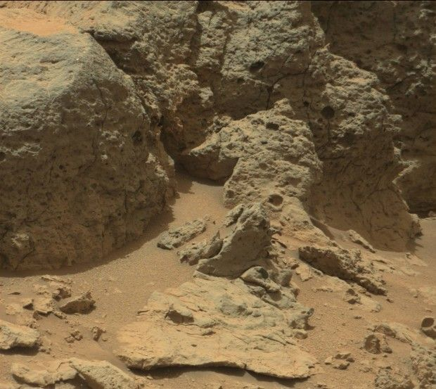 Curiosity images of Point Lake http://themeridianijournal.com/2013/06/curiosity-images-of-point-lake
