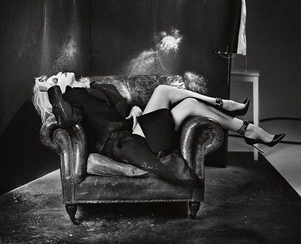 Dessin d'art boudoir érotique
