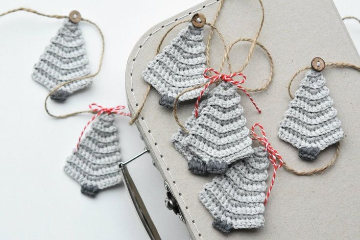 Christmas tree garland Crochet pattern by lilleliis