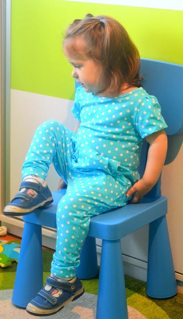 I believe I can sew...: A new polka dots jumpsuit for summer for Eva -  Ot...