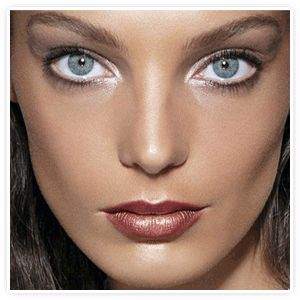 White Apricot Natural Beauty:  Fall Makeup Trend - The Icy Eye