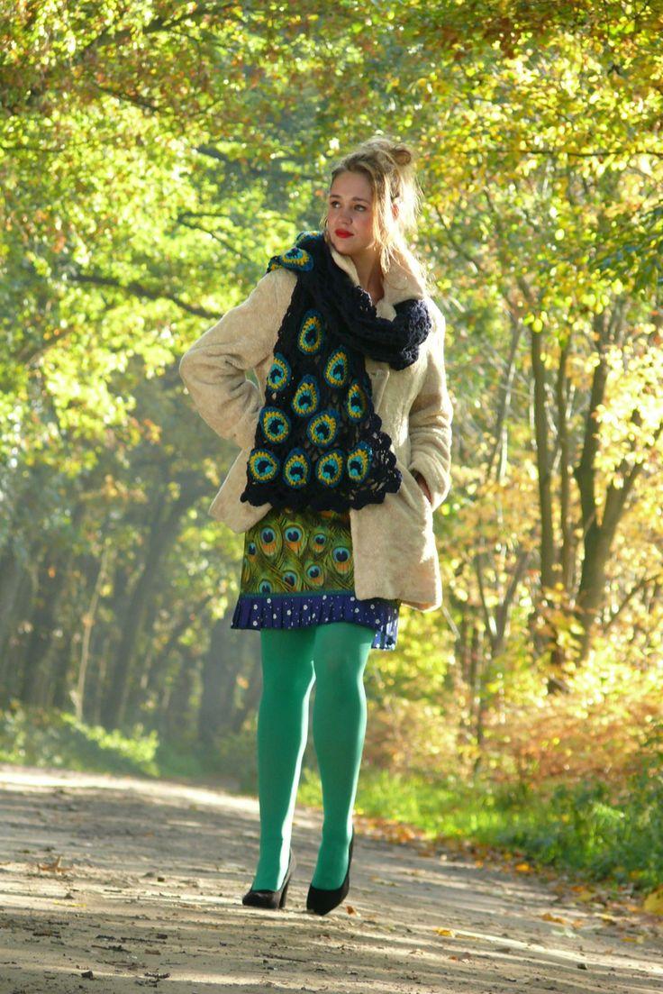 http://www.talulabelle.nl/dames-kleding/rokken/pauwenprint-rok-korte-retro-vintage-marine-groen  http://www.talulabelle.nl/sjaal-gehaakt-handgehaakt-crochet-mrine-pauwenogen-pauwenprint-marine
