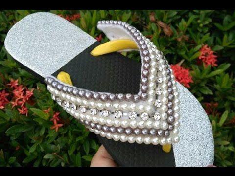 Lindo chinelo customizado em perolas! Costurado no Feltro! Por Maguida S...