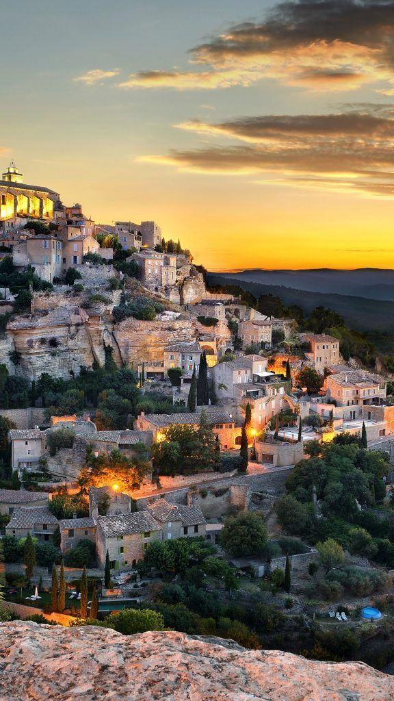 Gordes In Provence Alpes Cote D Azur France Best Sunset Cote D Azur Provence
