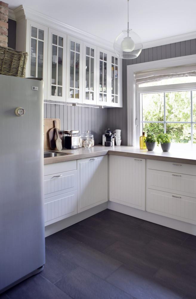 window feature in kitchen