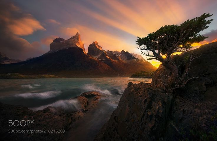 Life on the Edge by MAPhoto #Landscapes #Landscapephotography #Nature #Travel #photography #pictureoftheday #photooftheday #photooftheweek #trending #trendingnow #picoftheday #picoftheweek