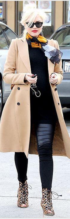 Who made  Gwen Stefani's beige coat?