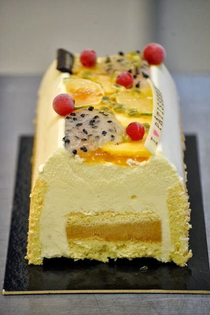 Buche légère creamcheese passion mangue par Guillaume Eon, Gourmandises de Guillaume, Bordeaux By mylittlespoon