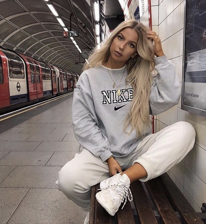 Fall Style l Casual Fashion Sweaters For School Cute Comfy Cozy Casual For Teens Nike – Mia💕