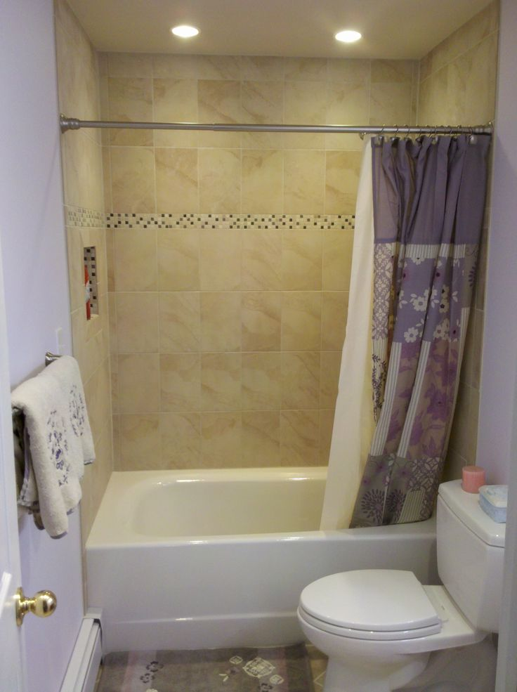 Guest bath : bathroom tub surround tile