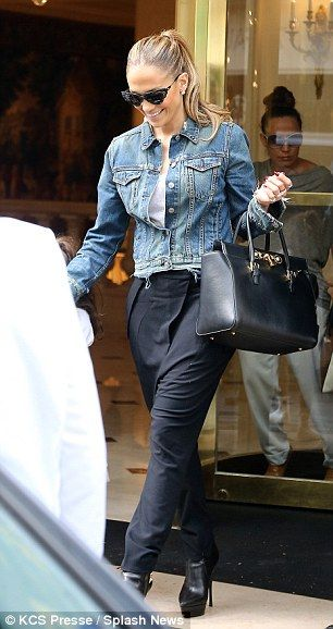 Jennifer Lopez wearing Versace Padlock Fastening Tote.