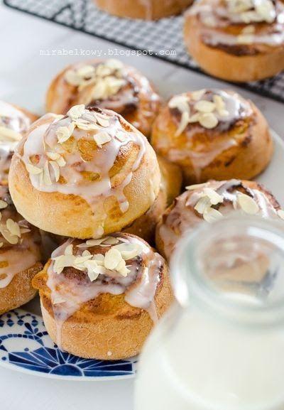 Tym razem wraz z Gin  i Mopsikiem  umówiłyśmy się na wspólne pieczenie skandynawskich słodkich smakołyków :) Ja przygotowałam kolejną wariac...