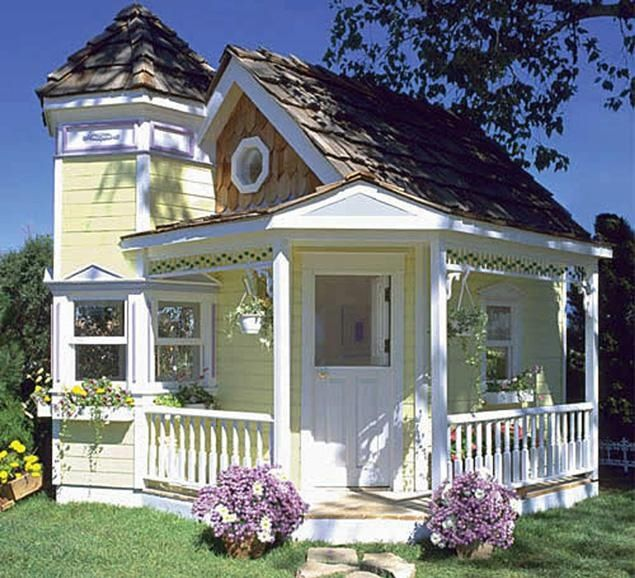 This is suppose to be a dog house, but I wouldn't mind if my house looked like this. It's beautiful