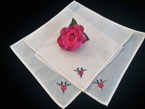 Linen Napkins. Embroidered Napkins. Vintage Napkins. A Set of