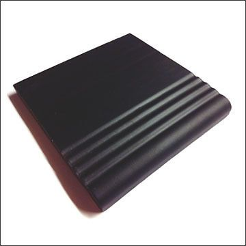 Victorian-reproduction-Black-step-tread-tile-100mm-x-100mm-bullnose-round-edge