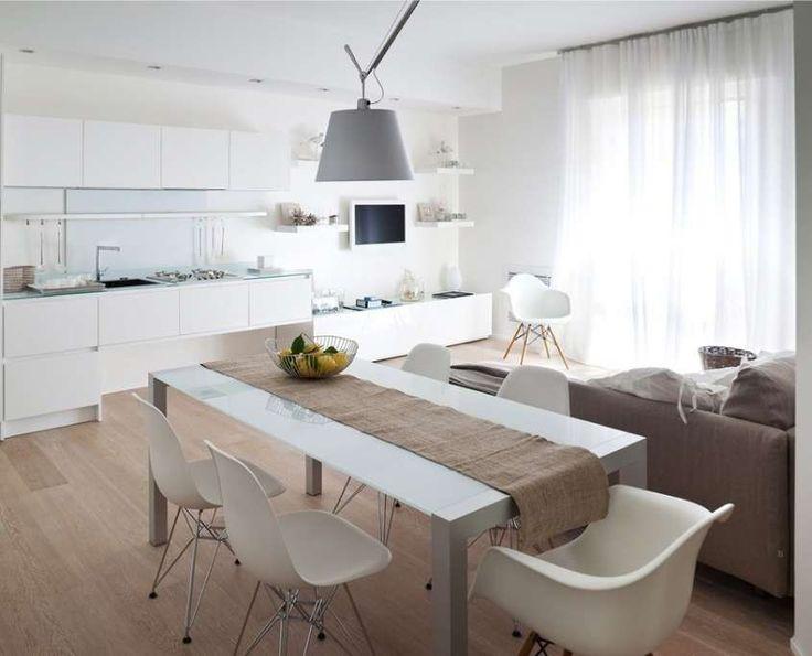 Colori pavimenti di casa - Parquet chiaro per cucina molto luminosa