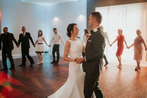 wedding photography, first dance of the bride and groom