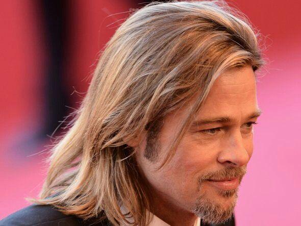 man met lang haar