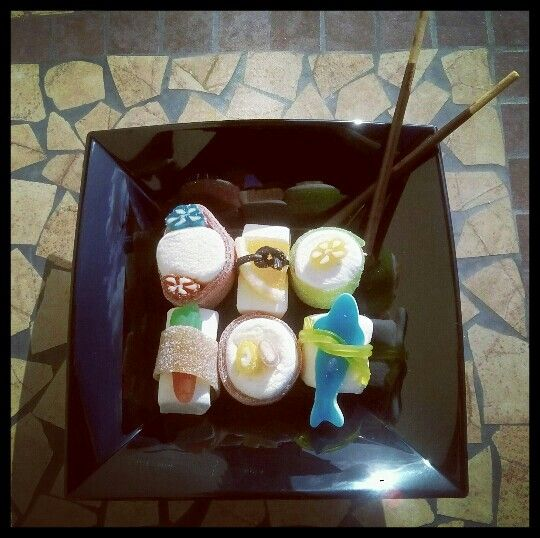 Sushi caramelloso #torta #torte #caramella #caramelle #marshmallow #caramellegommose #candy #cake #sushi