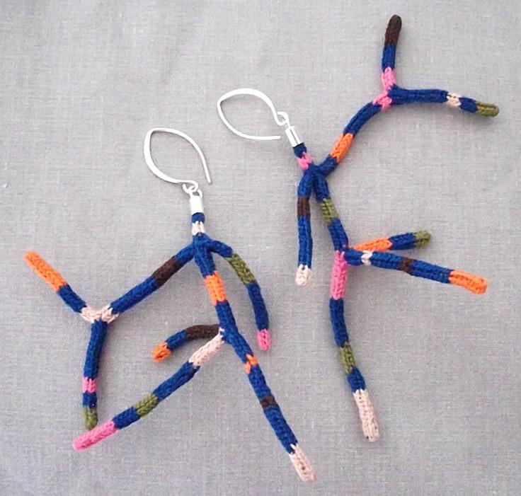 Coral Earrings/Aros coral