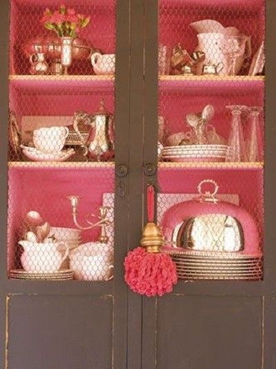Such a great idea to paint the inside walls and shelves pink!