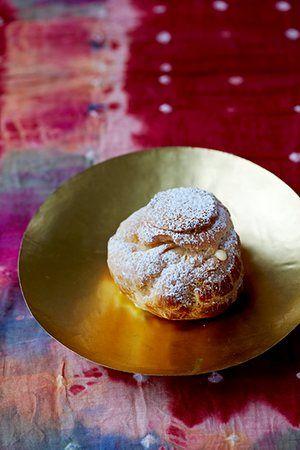 Passion fruit cream puff