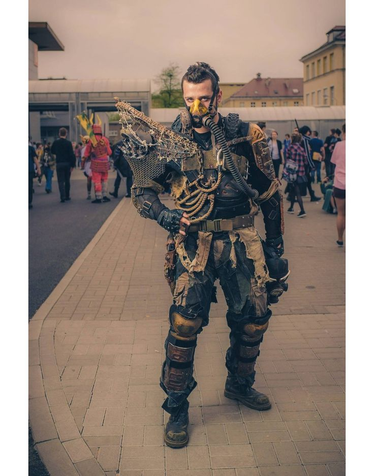 Post Apocalyptic Bad Ass Shoulder Piece Armor