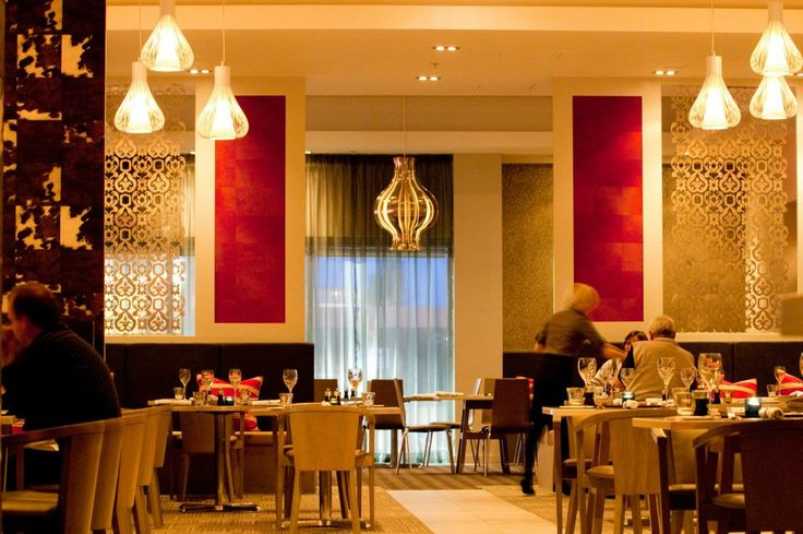Rydges Auckland's Restaurant STK serves up exceptional New Zealand food.