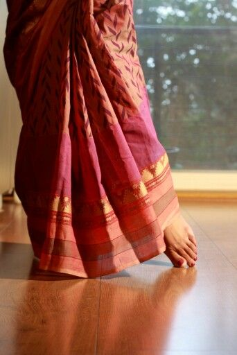 Zig zag print on a light purple Kanchi Cotton saree with woven temple border