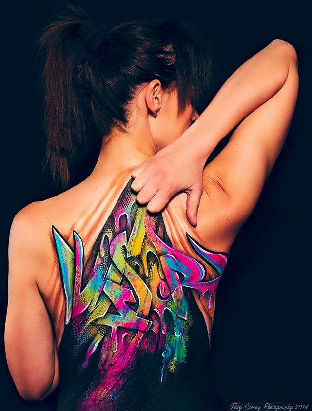 So I painted this on a model's back at work the other day.... - Imgur