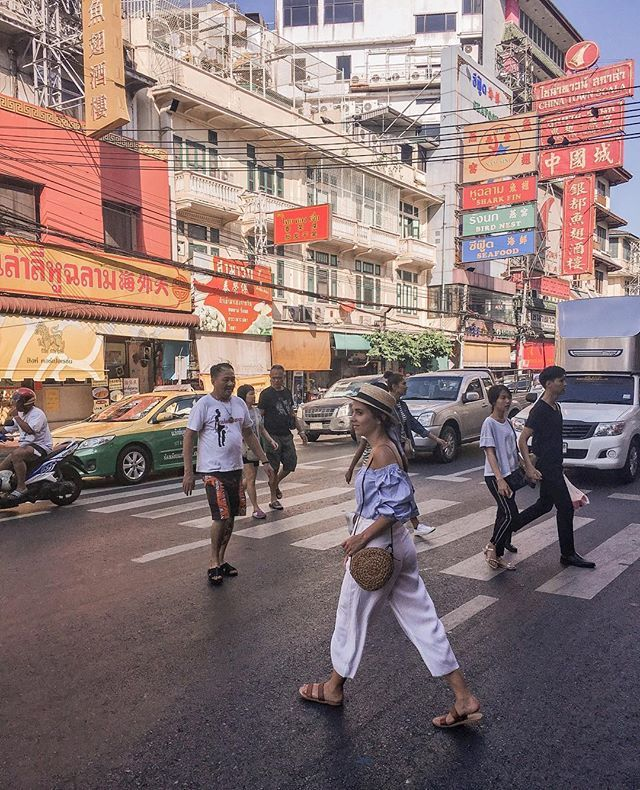 Busy streets of Chinatown Bangkok  #bangkok #thailand . If you have ever been to Bangkok which part of the city did you like the most? . . #igthailand #travelthailand #igersthailand #discoverthailand #visitbangkok #dametraveler #girlsborntotravel #wearetravelgirls #sheisnotlost #ladieswhotravel #thailandtrip #bangkok #femmetravel #roamingwomen #iamatraveler #darlingescapes #traveltagged #prettylittletrips #exploremore #viaparadise #youmustsee #allwhatsbeautiful #tasteintravel…