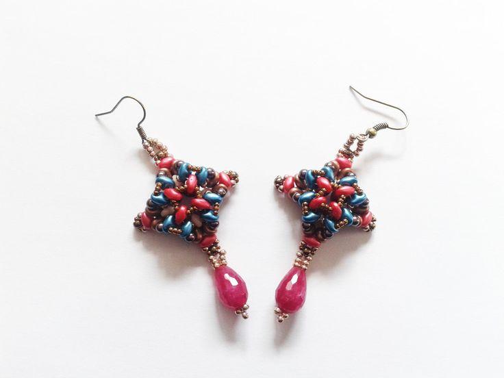 Jade - Ohrringe mit rubinroten Jadetropfen - ein Designerstück von tizianat bei DaWanda