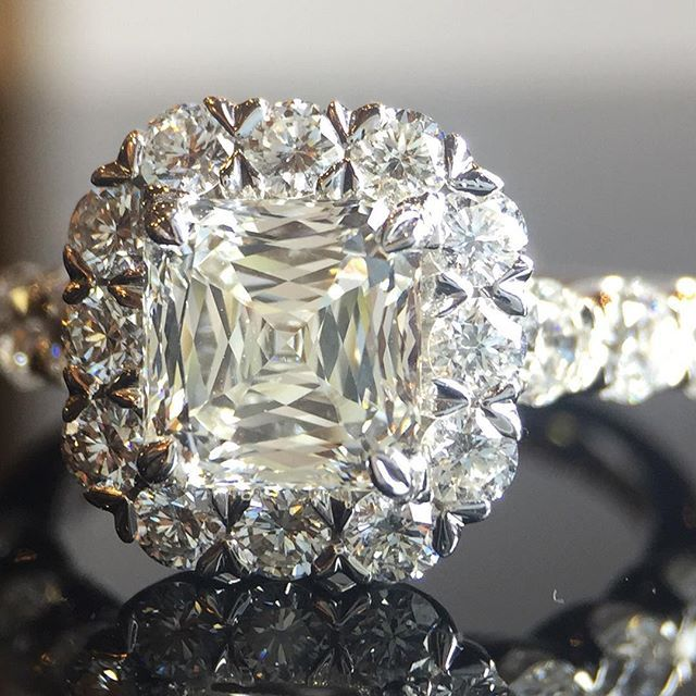 A beautifully cut high clarity diamond on this Christopher Designs engagement ring. Asscher cut, VS1 F, 1.5 carat centre stone surrounded by 26 round brilliant diamonds totalling 1.23 carats. @crisscutdiamond #calgaryjewellery #diamondlife #shine #asschercut #diamond #diamonds #isaidyes #yycbride @calgarybride #instagood #sparkle #luxurybride #crisscutdiamond #yycwedding