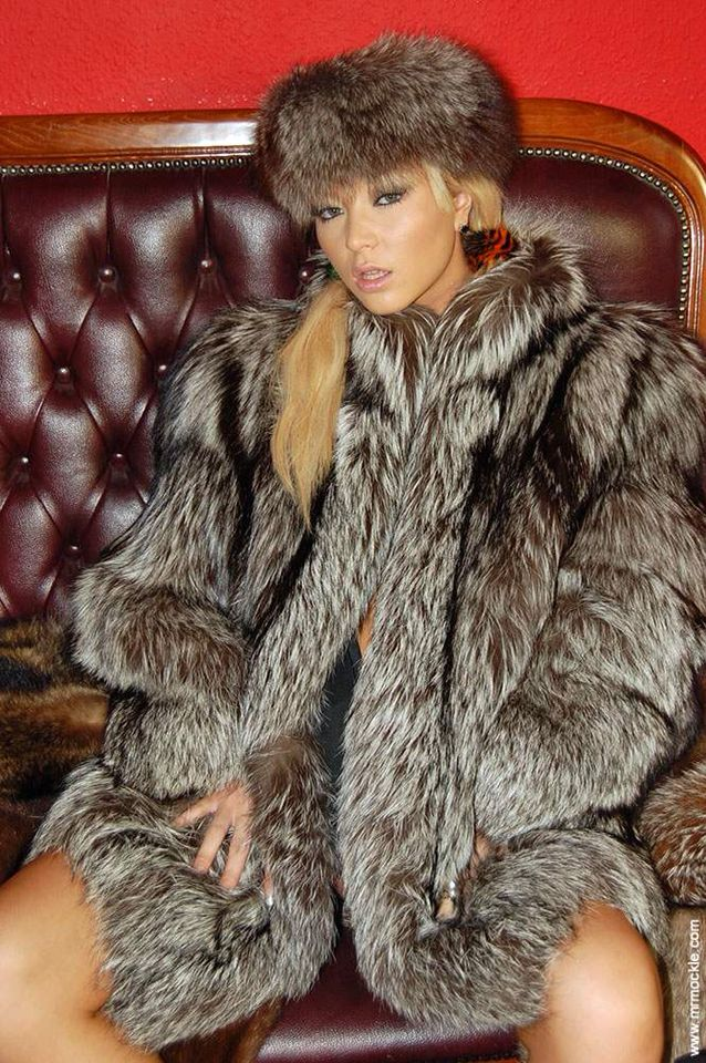 Natalia forrest | Fur love | Pinterest | Fur, Silver foxes ...