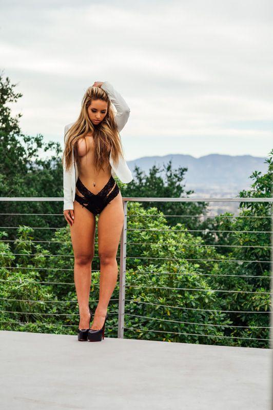white chick escort sydney cheap