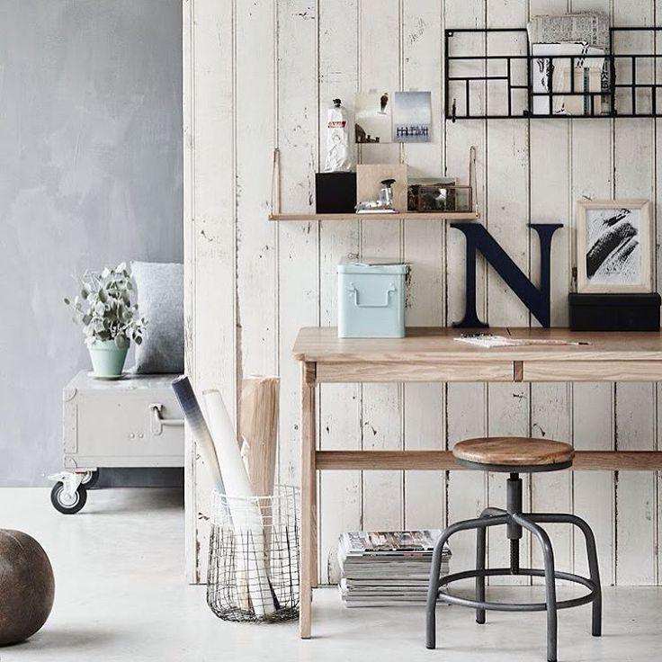 Ons Oxford bureau. Ideaal voor een mooie werkplek in huis. Credits: @vtwonen. #bepurehome #vtwonen #bureau #oxford #werkplek #homeoffice #dutchdesign